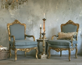 Gentil Louis XV  Ornate Carved Gilt Chairs